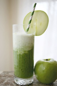 green-apple-spinach-smoothie-a-beautiful-mess-1-200x300
