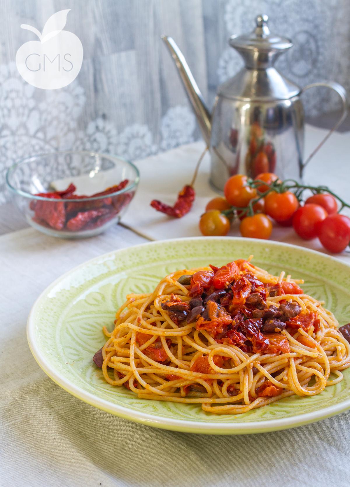 +spaghetti-alla-puttanesca-centrale