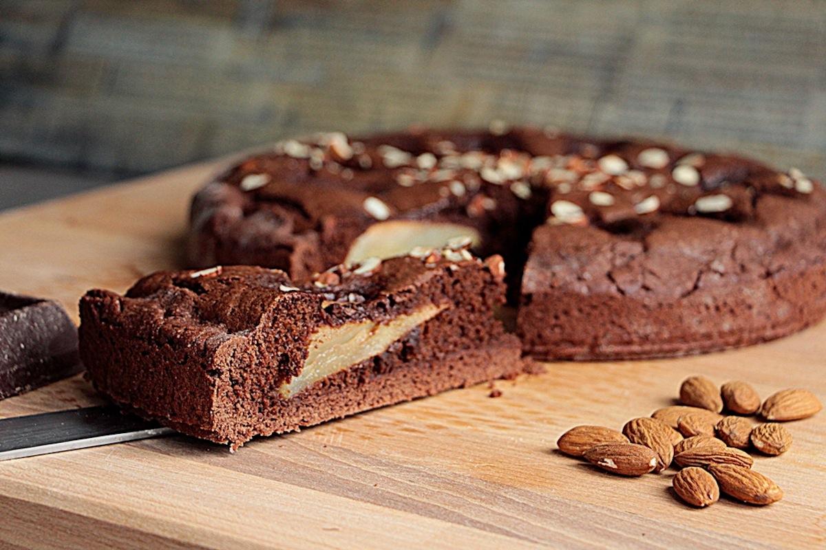 Ricetta torta di pere cioccolato e noci