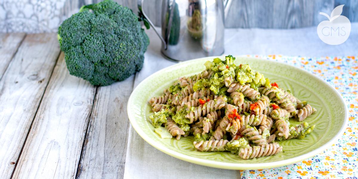 One pot pasta ai broccoli  Ricetta velocissima
