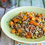 Insalata di grano saraceno, quinoa e edamame | Ricetta Vegan