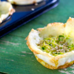 Tortini croccanti con zucchine e formaggio perfetti per l'estate