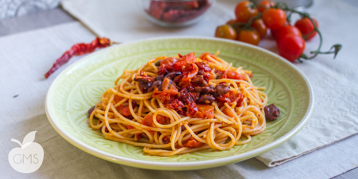 Spaghetti alla puttanesca | Ricetta facile