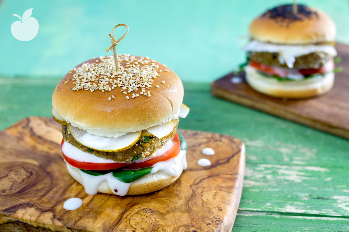 Veggy burger di lenticchie e pere | Ricetta vegetariana