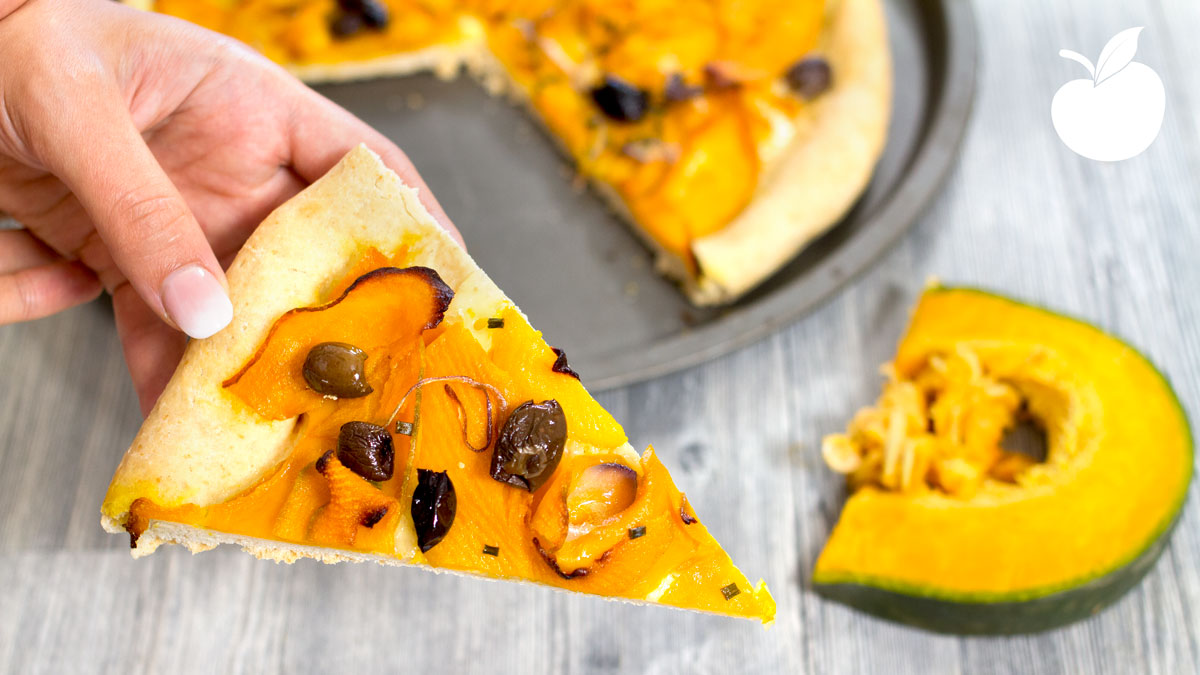 Pizza alla zucca e cipollotti