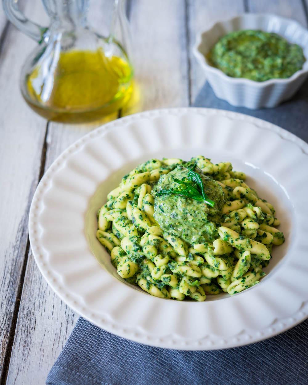 Pasta al pesto di broccoletti e rucola